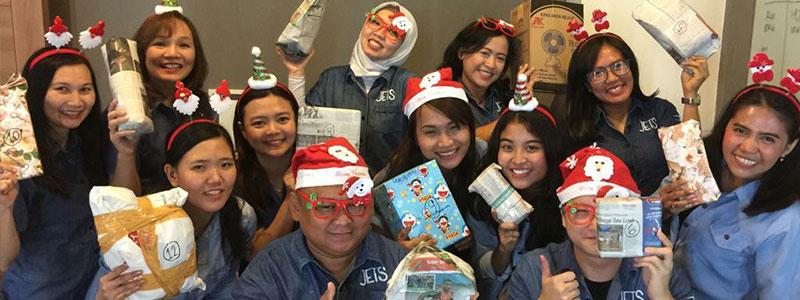 Christmas jets - Pasar Asuransi