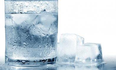 Bahaya Minum Air Dingin - Pasar Asuransi